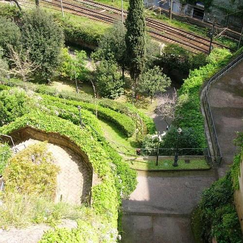 Parco Vergiliano a Piedigrotta: tra leggenda e realtà