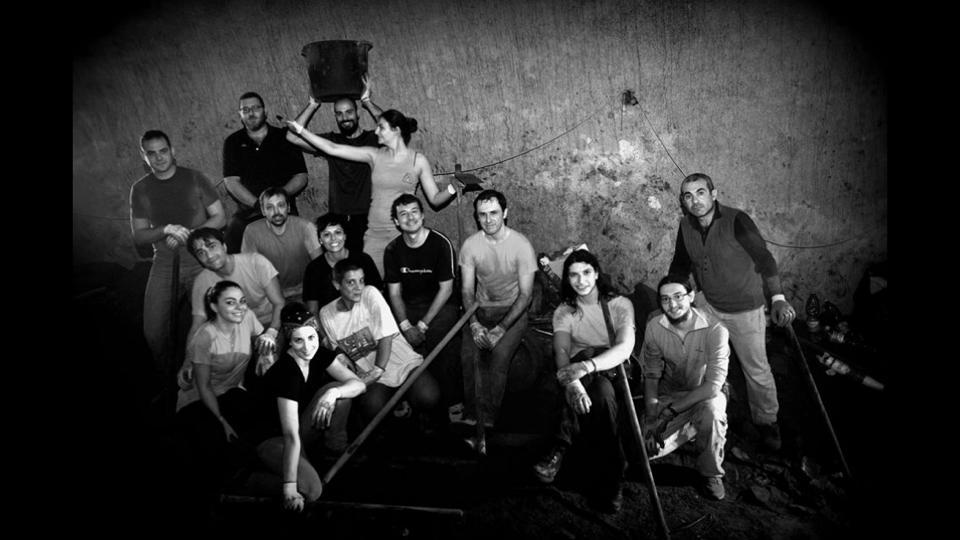 Volontari al lavoro alla Galleria Borbonica. Fonte: facebook