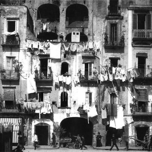 Napoli: tiemp' bell' e 'na vot'