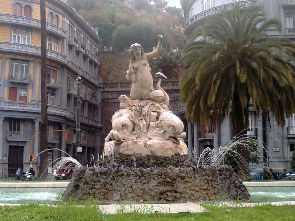 Napoli, Fontana della Sirena fonte Wikipedia