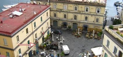 Piazzetta di Borgo Marinari.  Fonte Wikipedia