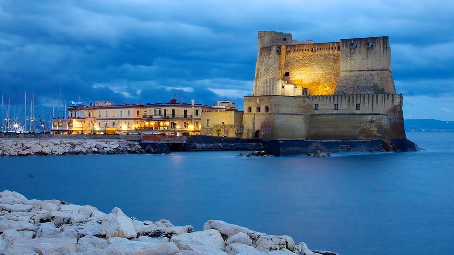 Castel dell'Ovo Fonte: grandhoteleuropa.com