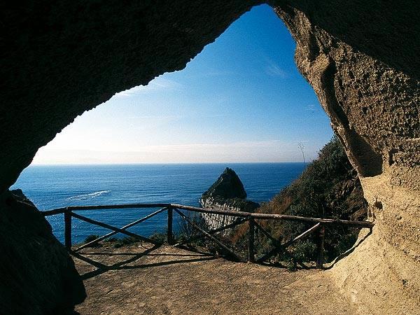 Grotta di Seiano Fonte: campiflegreitour.it