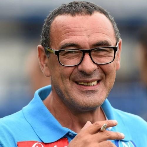 Napoli: vietato fermarsi. In 60mila per il Genoa. Paura per Higuain in allenamento.