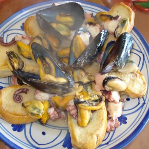 Giovedì Santo e zuppa di cozze: origini, tradizione e curiosità
