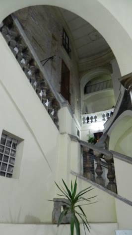 Interno del palazzo. Fonte: straniavvistamenti.blogspot.it