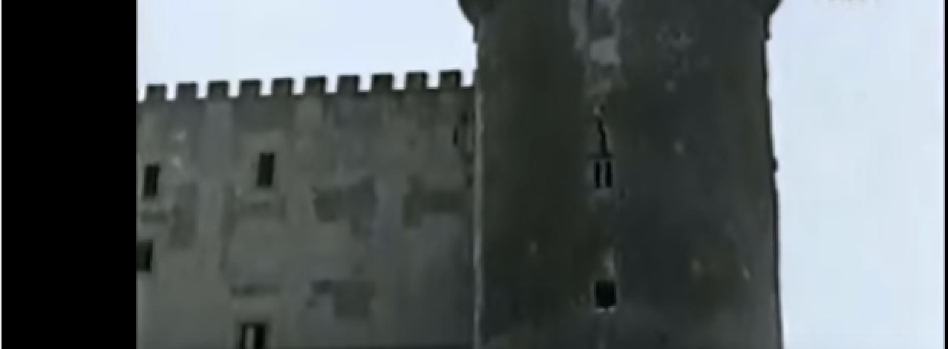 Lo squarcio fra le mura del Maschio Angioino: e se la causa non fosse l'esplosione della Caterina Costa?