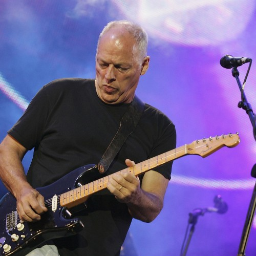 David Gilmour sarà a Pompei a Luglio. Ma sui social è polemica.
