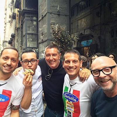 Dolce e gabbana alla Pizzeria Sorbillo. Fonte: Salernonotizie.it