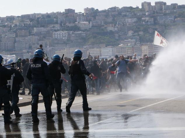 Renzi a Napoli, disordini. Fonte: agi.it