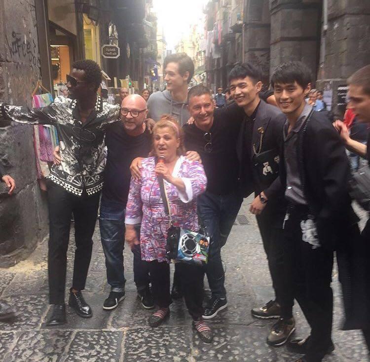 Dolce e Gabbana a Napoli. Dal profilo Instagram di Stefano Gabbana.