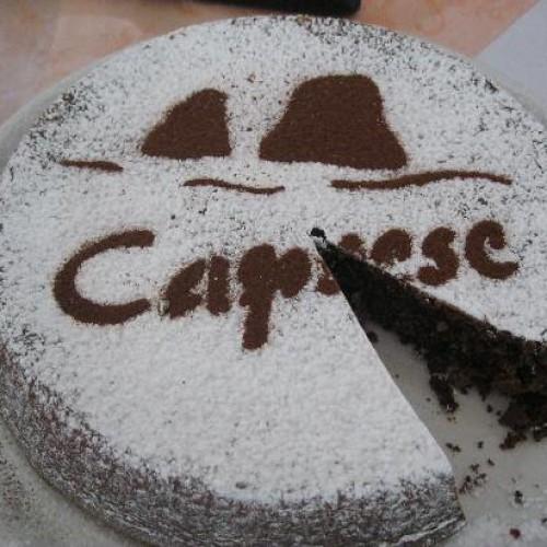 Com'è nata la famosa e gustosa Torta Caprese?