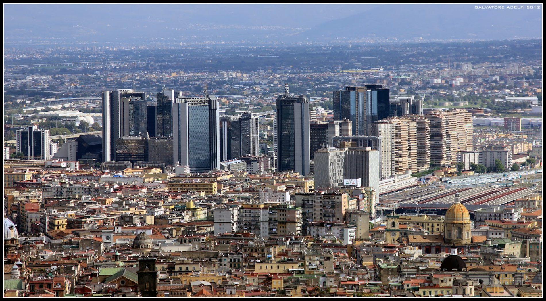 Napoli e i grattacieli più alti d'Italia: storia di un'urbanizzazione interrotta