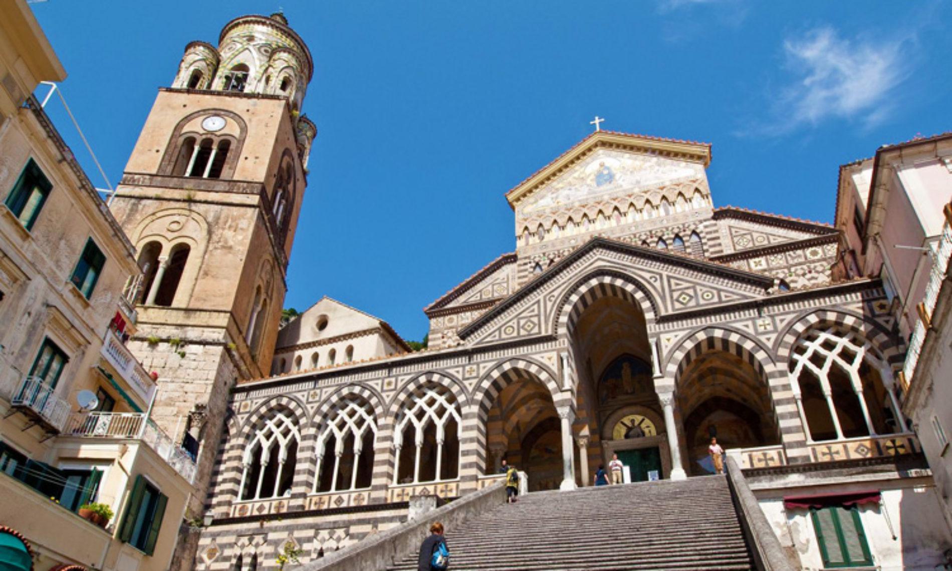 Una perla architettonica nel cuore di Amalfi: la Cattedrale di Sant'Andrea