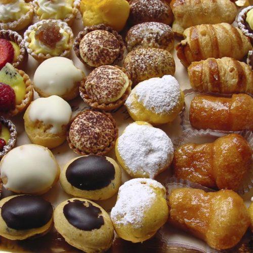 Piccola pasticceria: la tradizione napoletana a tavola