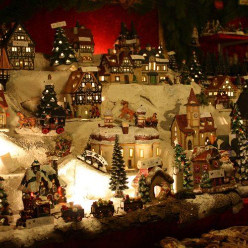 Piazza Municipio a Napoli: Villaggio di Natale 2016 ad ingresso gratuito