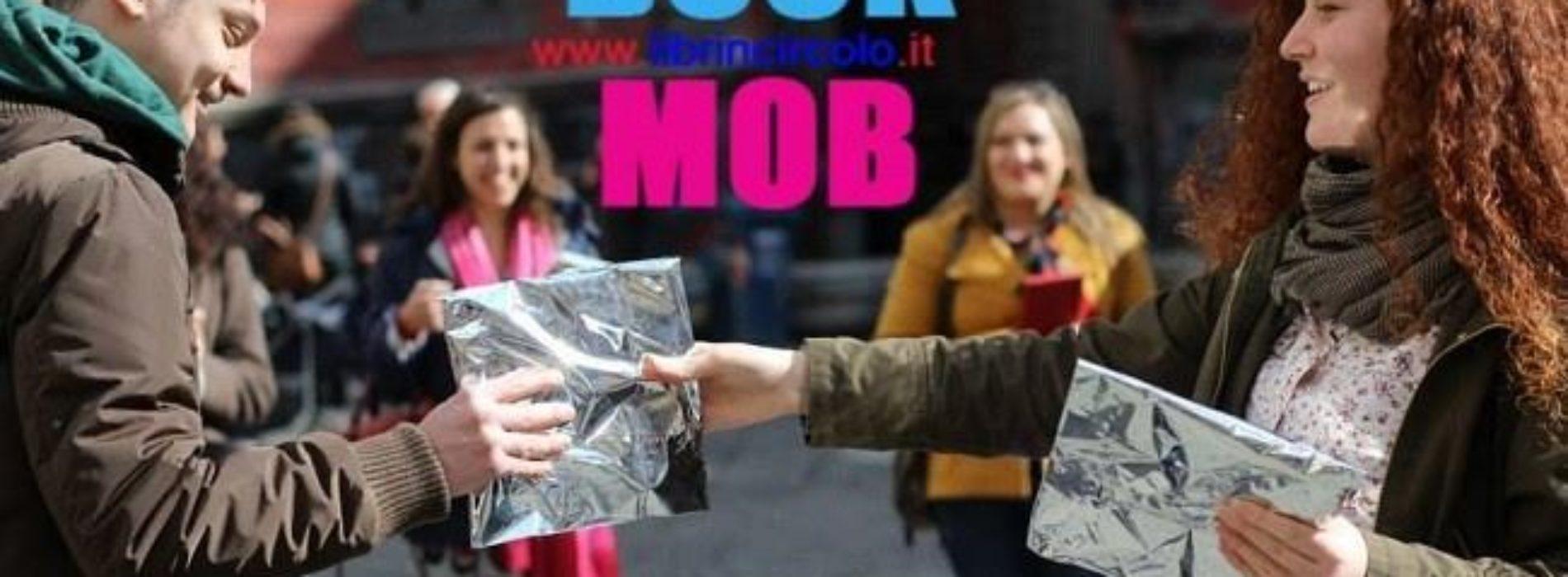 """A Napoli napoli arriva il """"BookMob"""": donare e ricevere libri a sorpresa!"""