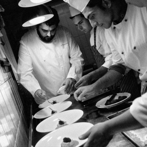 Antonino Cannavacciuolo: tra la passione per la cucina e l'amore per la Campania
