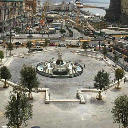 """Inaugura l'uscita """"San Giacomo"""" della stazione di Piazza Municipio"""