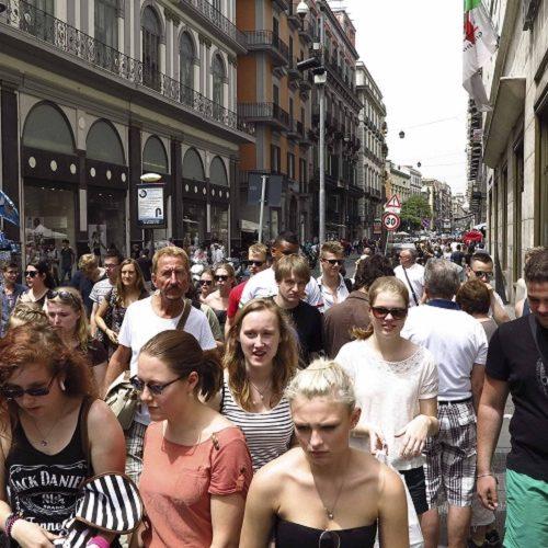 Boom di turisti a Napoli per l'estate 2017