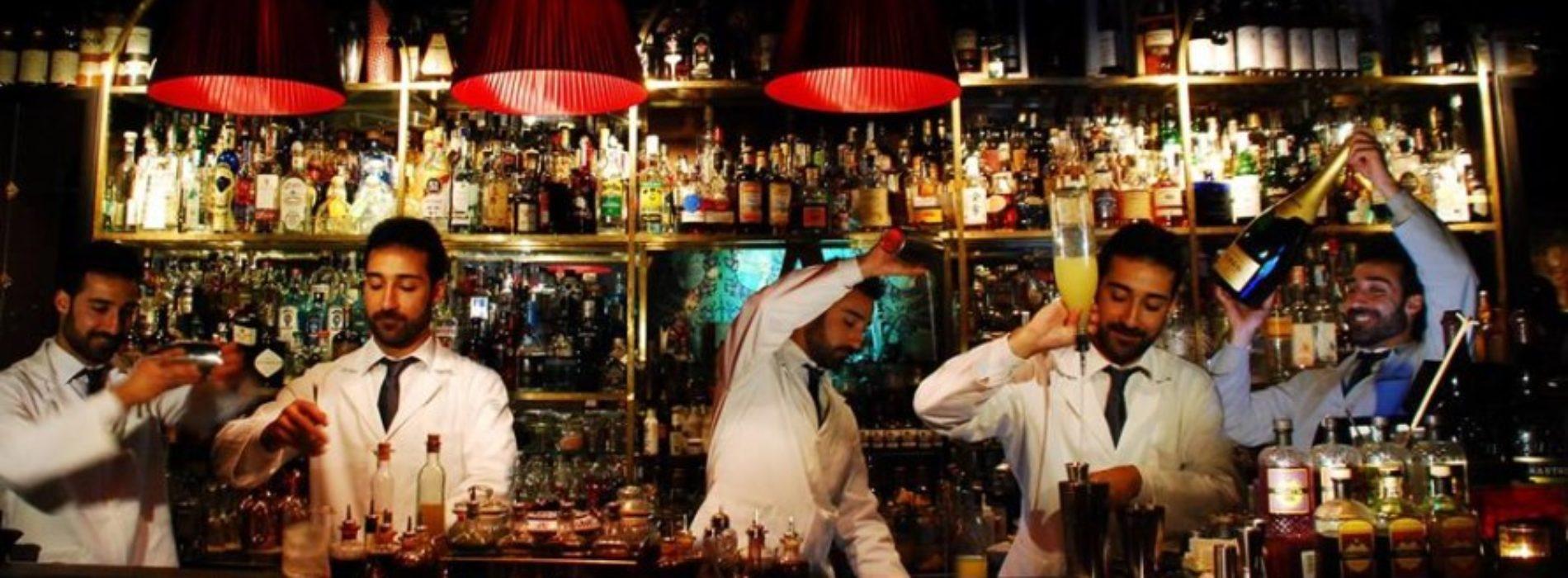 L' Antiquario: il bar dove non si servono né birra né vino