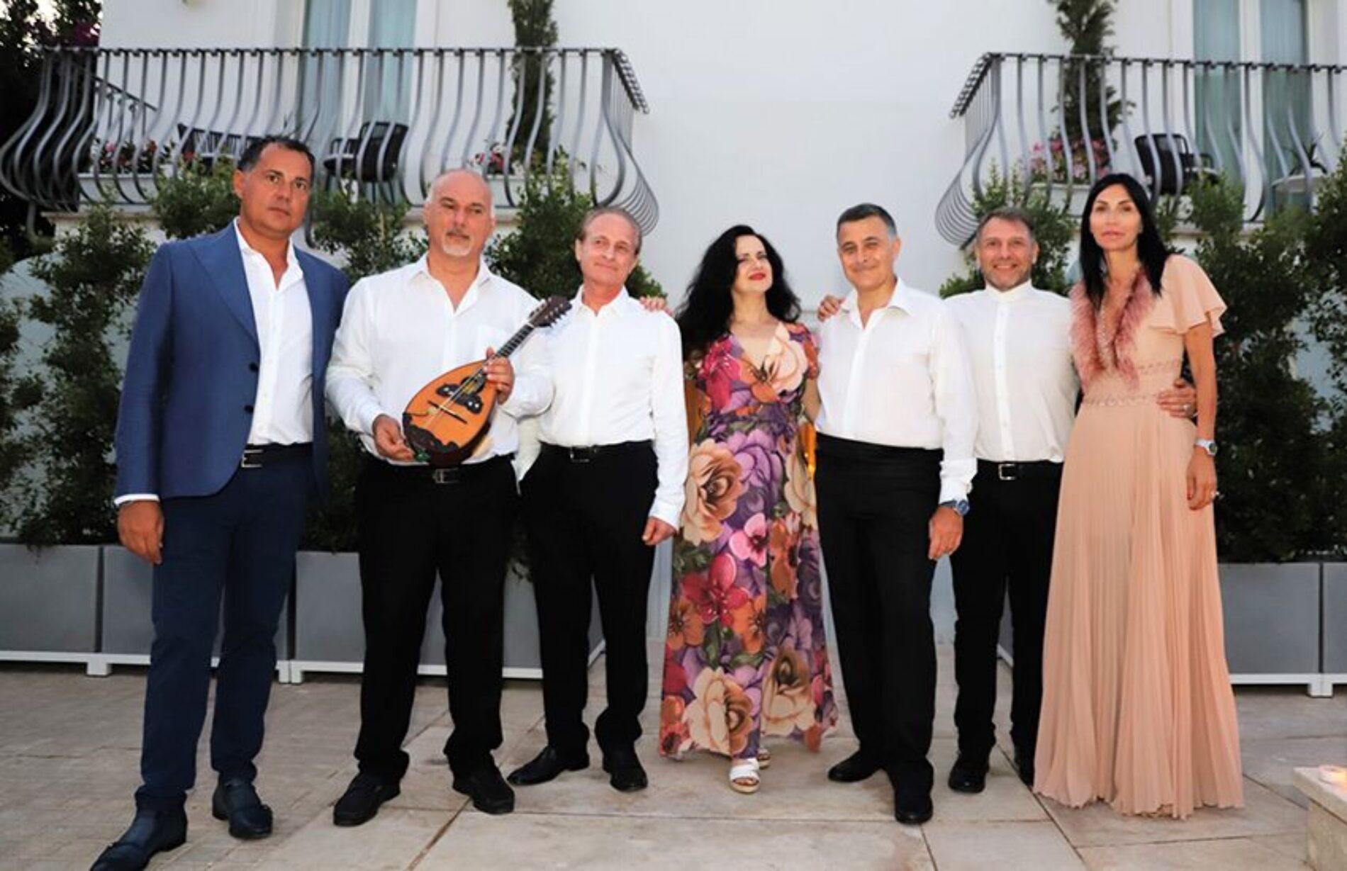 """Un flash mob speciale per un evento con una cornice splendida come quella del """"Villa Blu Capri Hotel"""""""